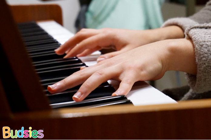 Piano Playing benefits of music for children