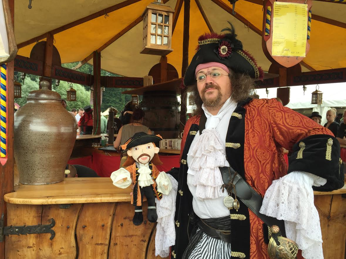 second wedding anniversary for pirates and larpers